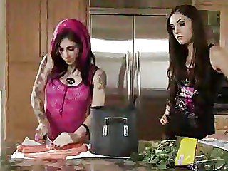 Emo Girls, Goth