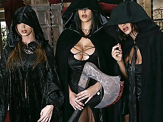Three Witches Make Kings Cock Bigger