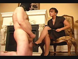 Mistress Domina Crossdresser